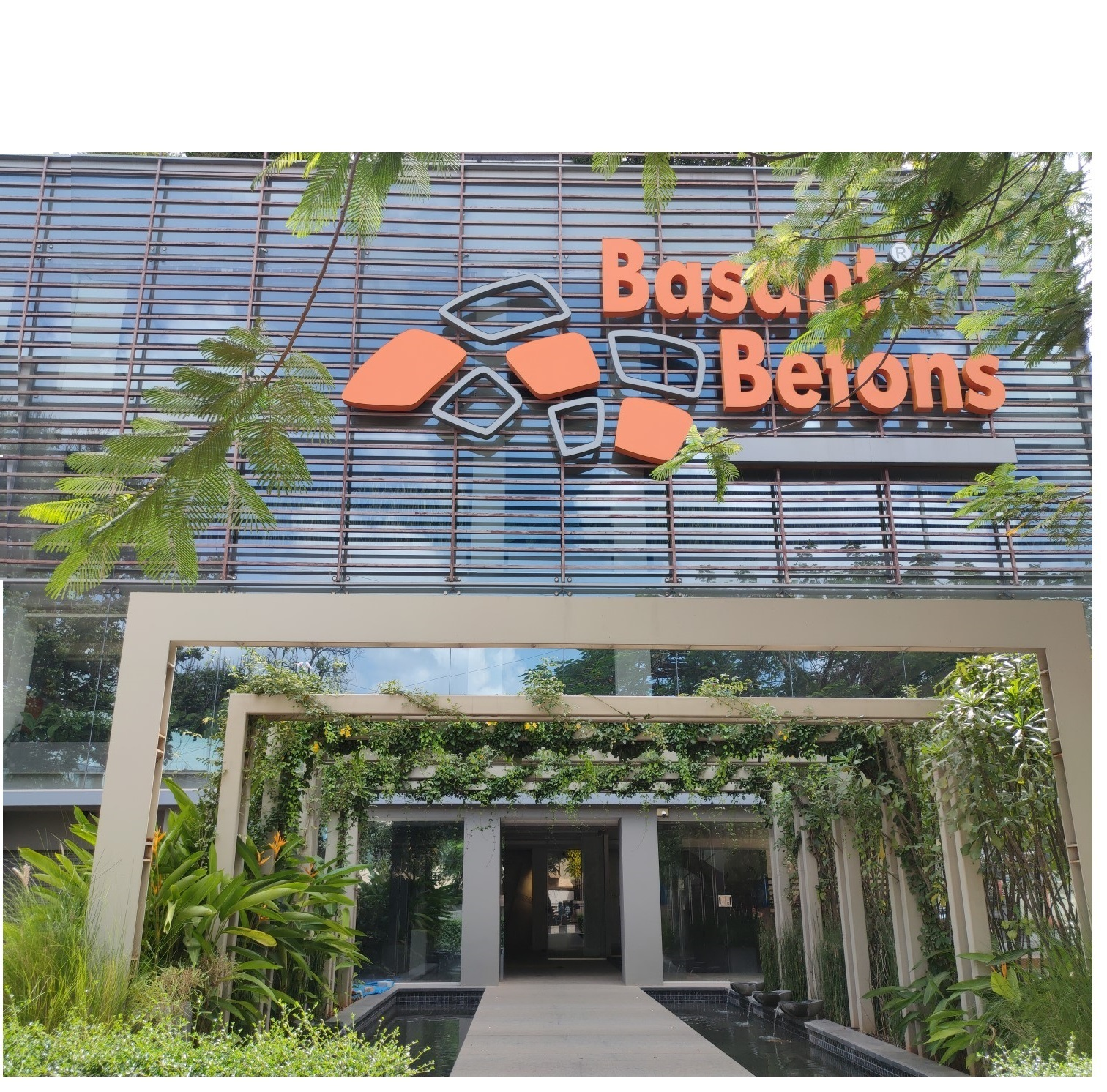 About Basant Betons
